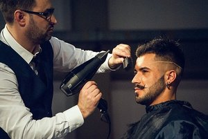 髪の毛をすく方法!失敗しないすき方やコツを分かりやすく解説!