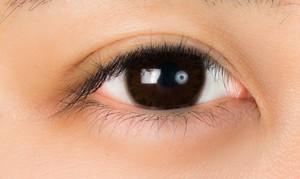 黒髪に似合うカラコンの色は?色素の薄いハーフ系など盛れる組み合わせを紹介!