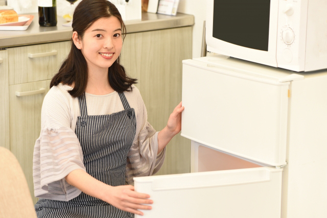 冷蔵庫がうるさい原因とは?急に変化した場合の対処法や防音方法を紹介!