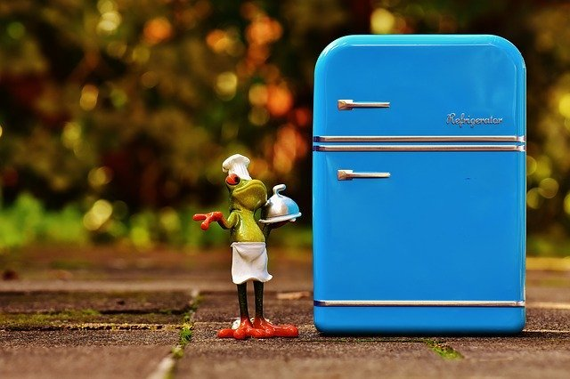 冷蔵庫は英語で何という?発音や日常会話での使い方を詳しく紹介!