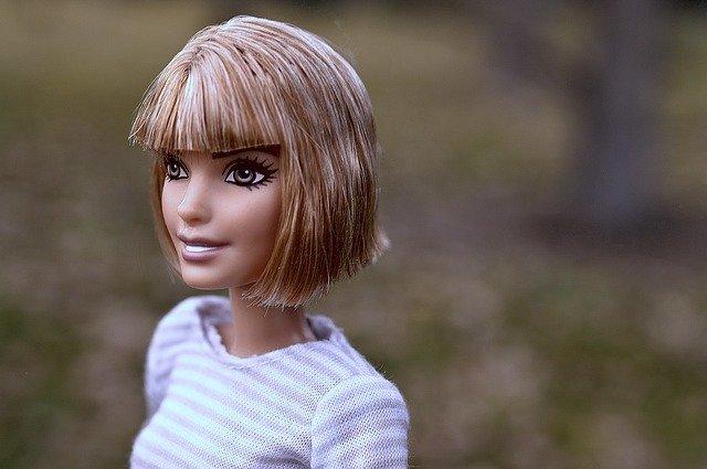 ショートヘアはストレートでおしゃれに!黒髪や前下がりスタイルもおすすめ!