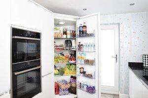 冷蔵庫の仕組みを分かりやすく解説!冷却・冷凍される機能の原理とは?