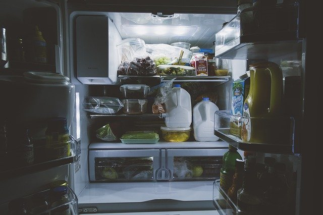 スリムな薄型冷蔵庫はどれおすすめ?大容量や両開きなど人気製品を厳選!