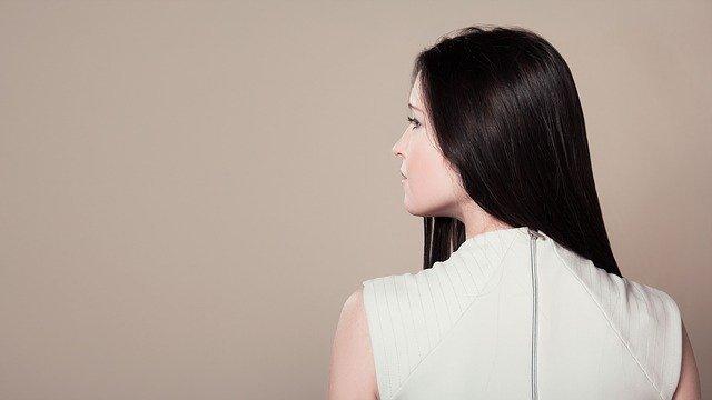 目指せツヤ髪!髪の毛をつやつやにするケア方法や食べ物を詳しくチェック!