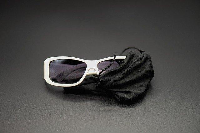 メガネケースのブランドおすすめ17選!プレゼントにピッタリなアイテムも!