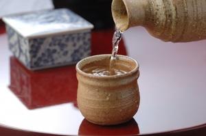 熱燗におすすめの日本酒19選!人気銘柄の選び方や美味しい飲み方も紹介!