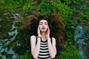 髪の毛に「段」をつけるカットのメリットとは?段をなくすための方法もチェック!