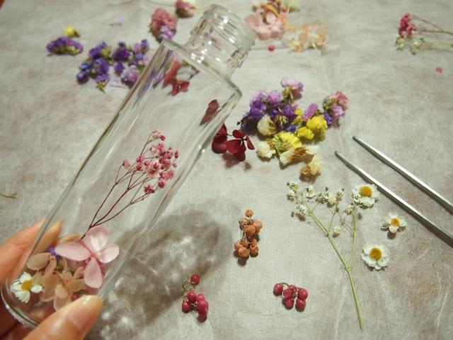 ハーバリウムの花材・材料の買い方と選び方!おすすめの種類や人気の店舗を紹介