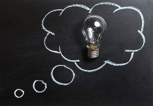 「勘案」の意味とは?ビジネスシーンでの使い方や敬語表現もチェック!