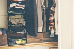 洋服収納はケースでおしゃれに!おすすめグッズやアイデアをまとめて紹介!
