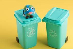 ダイソーのゴミ箱はおしゃれで大人気!リメイクして使う人も多数!