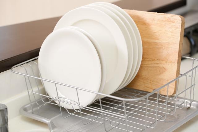 キッチンの水切りかご特集!狭いスペースでも置き場所に困らない商品も!