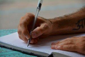 レポートの書き方を分かりやすく解説!構成の組み立て方・引用の記載方法も紹介!