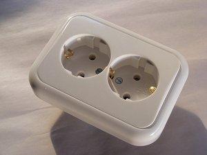 グアムのコンセント形状や電圧情報まとめ!変圧器や変換プラグは必要?