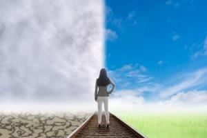 【夢占い】夢に出てくる人の意味31選!相手別の心理や暗示まとめ!