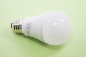 100均ダイソーのLED電球がコスパ最高!気になる種類や特徴をチェック!