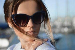 ユニクロのおすすめサングラスを紹介!スポーツ用・偏光レンズなど種類も!
