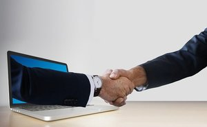 初めましてのビジネスメールの書き方まとめ!書き出し・締めの挨拶の例文も紹介