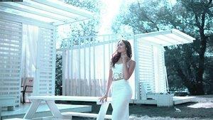 ロングタイトスカートのコーデはどうする?季節別のおすすめの素材や色も紹介!