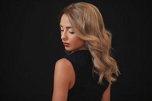 アッシュ系ヘアカラーでおしゃれなトレンド髪に!色の特徴や種類をチェック!