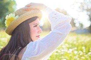 帽子をかぶる時の髪型特集!初心者にもできる簡単なヘアアレンジをレクチャー!