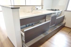 システムキッチンの収納力をアップするアイデア特集!実例付きで紹介!