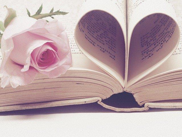 面接で愛読書を聞かれたらどう答える?回答のポイント・注意点やおすすめ本も紹介