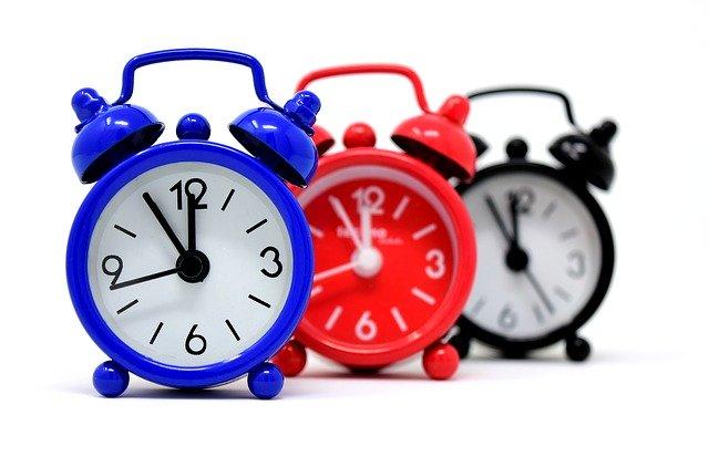 「一時間弱」とは何分のこと?正しい意味や一時間強・小一時間との違いも解説!