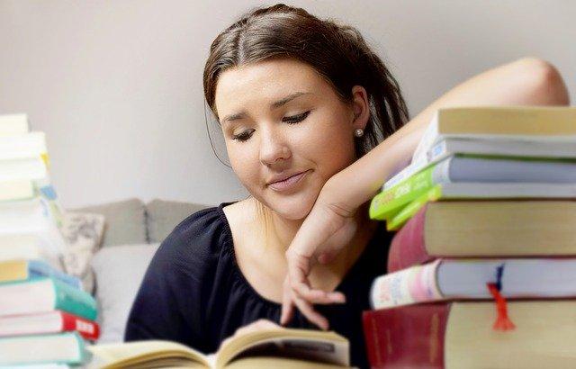 「習得」と「修得」の意味の違いとは?使い分け方や例文を詳しく解説!