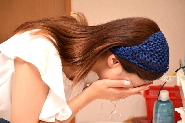 クレンジングクリームのおすすめはコレ!乾燥を防ぐ保湿力の高い人気商品もあり!