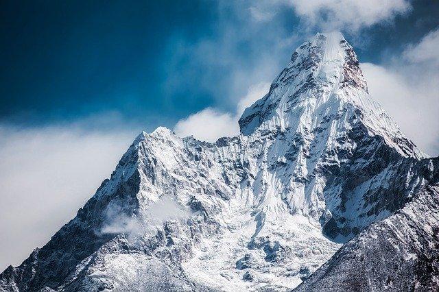 世界中にある人類未踏峰の7つの山は危険?登山家も登頂できない理由とは?