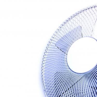 扇風機に保冷剤で夏を涼しく!効果や作り方におすすめ商品もご紹介!