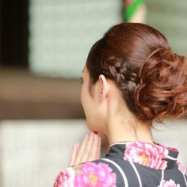 浴衣×ポニーテールの簡単なアレンジ集!やり方や髪飾りの選び方もチェック!