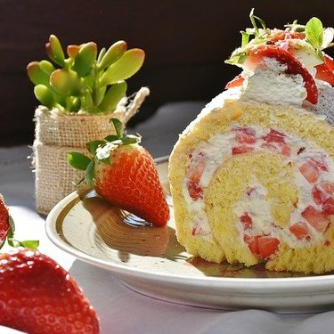 シャトレーゼのホールケーキは誕生日におすすめ!人気の種類・予約方法を紹介!