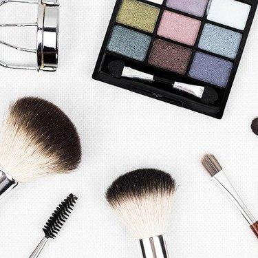 化粧品やコスメの収納例まとめ!おしゃれに見せるアイデアや便利なケースも!