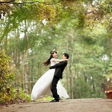 仏滅の結婚式は避けるべき?縁起が悪いとされる理由やメリット・デメリットも紹介