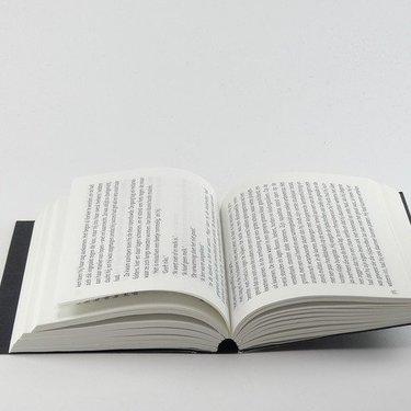 和綴じってなに?製本の手順や綴じ方やおすすめの糸の種類までご紹介!