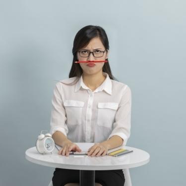 鼻の下が長いことで悩んでいる女性必見!メイク方法やトレーニングを紹介!