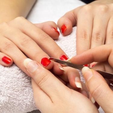 血豆ネイルは恋を呼ぶ?人気のインテグレートの塗り方を解説!
