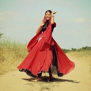しまむらのドレスがプチプラで人気!結婚式・二次会別でおすすめコーデを紹介!