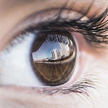 人間観察が趣味な人の特徴は?他人を見てしまう人の性格や心理も詳しく解説!