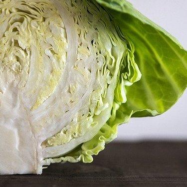 キャベツの大量消費簡単レシピ17選!1玉即食べきれちゃう人気料理を紹介!