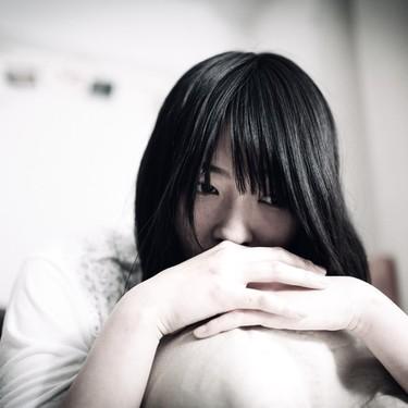 元カノが気になる女性の心理とは?嫉妬心との向き合い方や克服方法を紹介