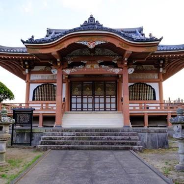 【夢占い】神社の夢の意味31選!境内・鳥居・参拝するなど状況によって違う?