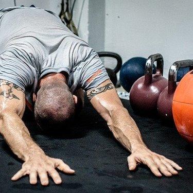 背筋の効果的な筋トレ!自宅でできる簡単な背中の鍛え方をチェック!
