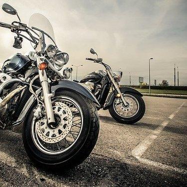 【夢占い】バイクの夢の意味31選!乗る・二人乗り・事故など状況ごとに判断!