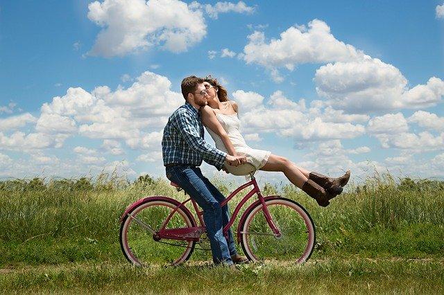 お似合いカップルに共通する特徴11選!周囲も認めるその理由は?