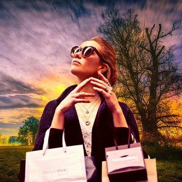 ダイソーの紙袋が便利でおしゃれ!おすすめのサイズ・柄や使い方アイデアも紹介