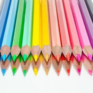 100均ダイソー・セリアの色鉛筆は種類豊富!人気の24色などおすすめ17選!