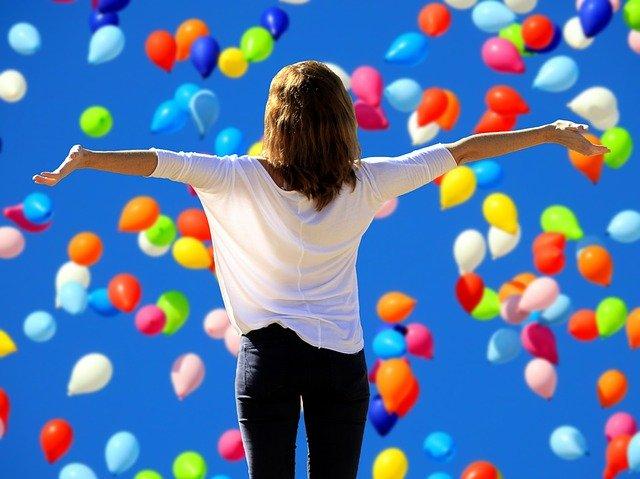 自己肯定感を高める方法とは?今すぐできる習慣やおすすめの本も紹介!